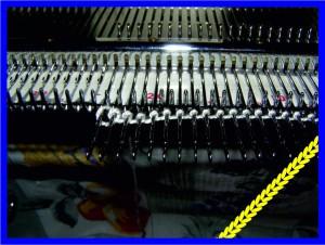 Набор петель на иглы вязальной машинки